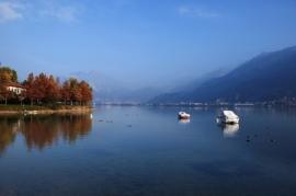 lake-3637095_1280